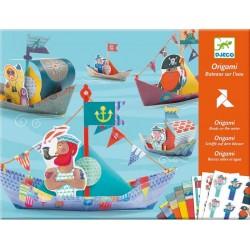 Origami Barcos de Papel Flotantes